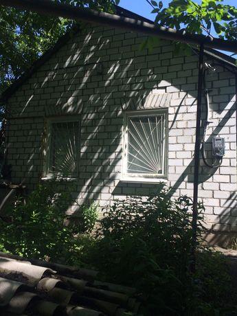 Продам дом-дачу под Киевом ! 15 км до Киева . Возможна прописка !!!