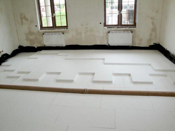 Wylewki maszynowe, i układanie styropianu pod ogrzewanie podłogowe.