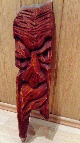 Rzeźba drewniana do powieszenia