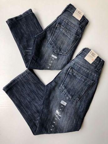 Продам фирменные детские джинсы.