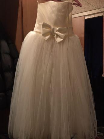 белое свадебное/концертное платье