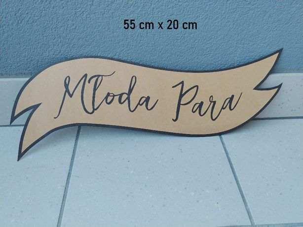 """Napis """"Młoda Para"""""""