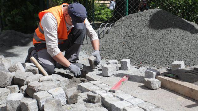 Wysiewka kruszywo hutnicze piasek kostka brukowa granitowa betonowa