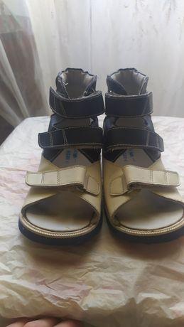 Детская  обувь.   .