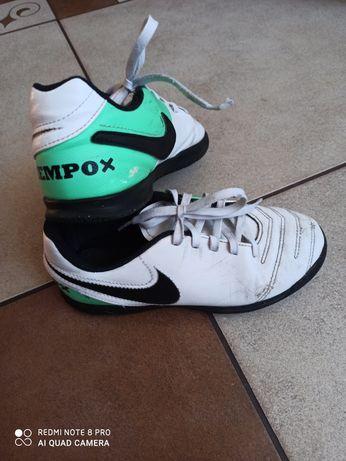 Buty halówki Nike rozm. 34