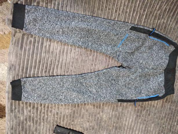 Зимние утеплённые спортивные штаны