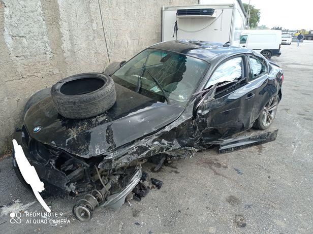 BMW 120D coupé acidentado