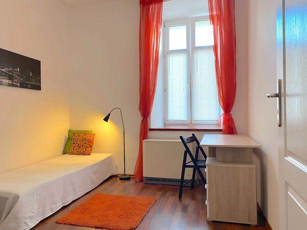 Przestronny pokój 15 m2 w świetnej lokalizacji- Centrum Sosnowca