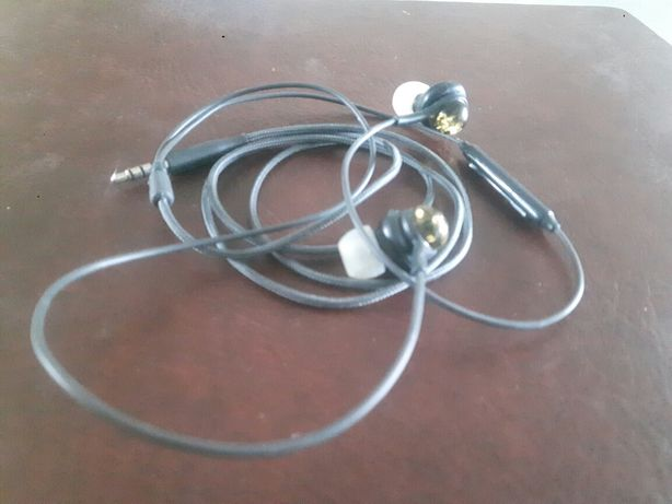 Słuchawki z bursztynem i mikrofonem do telefonu