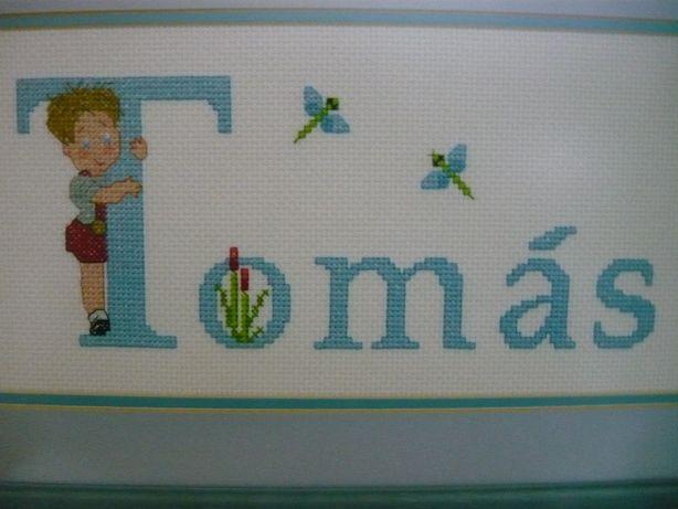"""Quadro em Ponto Cruz """"Tomás"""" - Bordado à mão"""