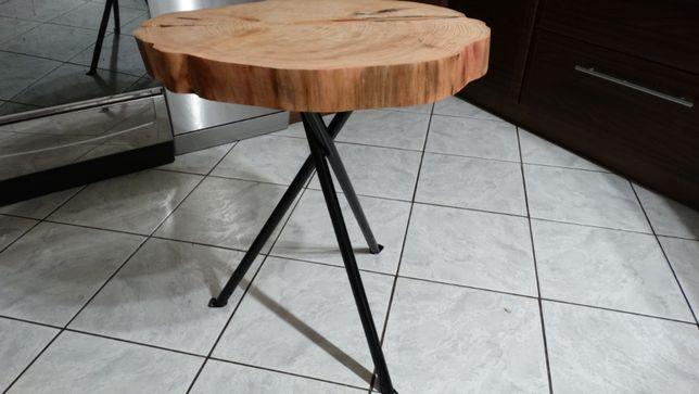 Stolik kawowy z plastra drzewa