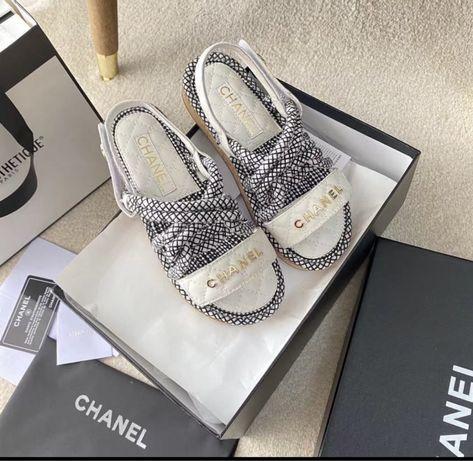 Sandaly Chanel Od reki wkladka 39 ( 25cm ) oraz 40 (25,3cm)