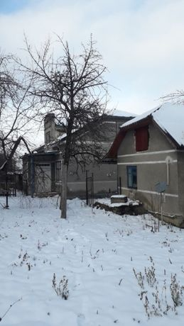 Продам будинок по вулиці Бережанська 11