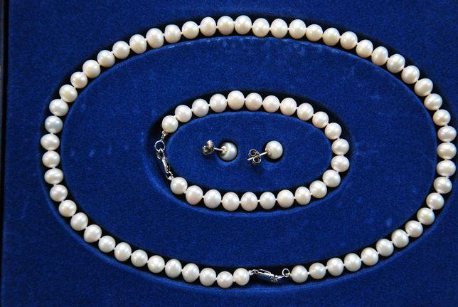 Komplet biżuterii perłowej