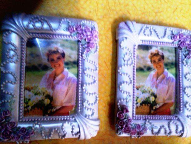 2 Molduras com perolas 18 x 12 cm cor prateado com rosas