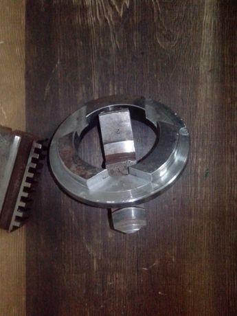 Фланец для расточки кулачков токарного патрона D250.