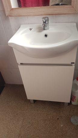 Vendo lavatório com móvel