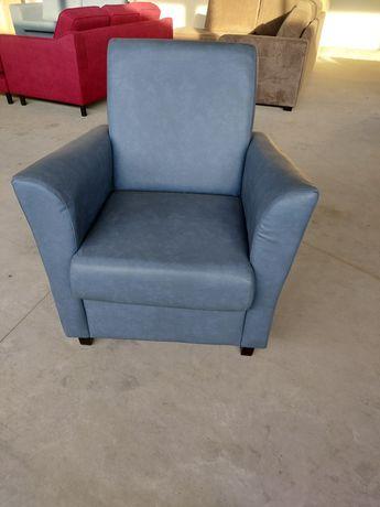 Wielka wyprzedaż nowe cztery fotele powystawowe.