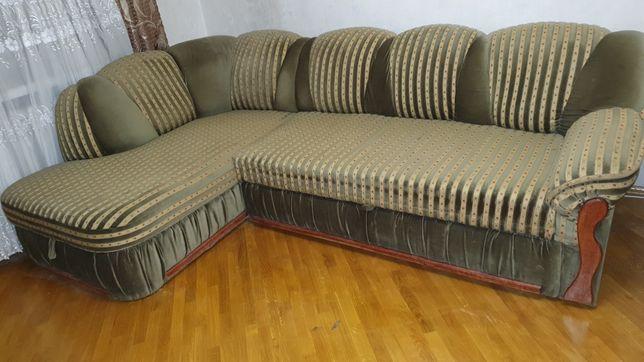 Продам диван двухспальный