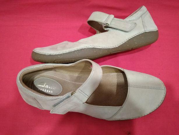Новые кожаные туфли Clarks 37,5 размер