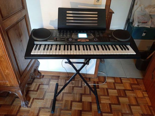 Órgão Casio CTK 531 + tripé