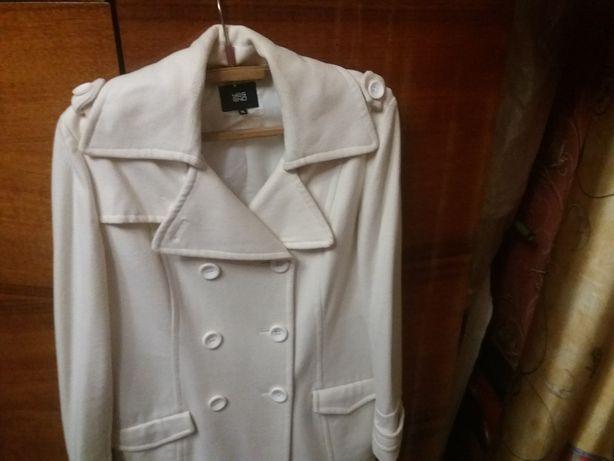 Белое кашемировае пальто 48раз