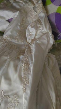Vestido de noiva usado em bom estado