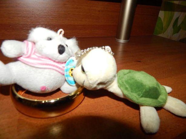 Мягкие игрушки-брелки маленькие две