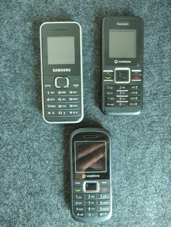 3 telemóveis antigos (sem carregador)