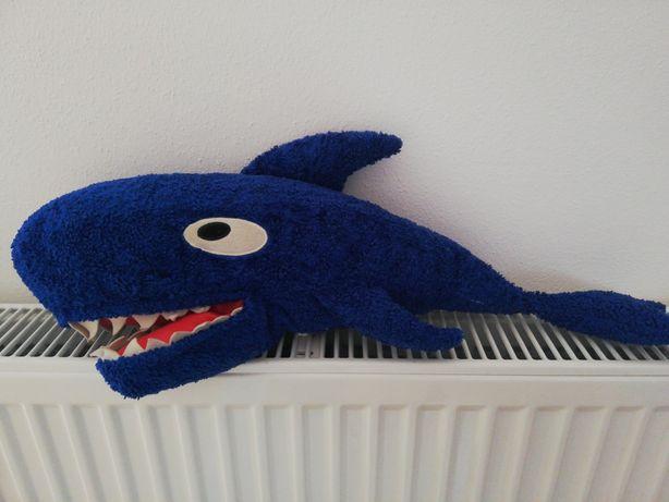 Maskotka pluszak rekin