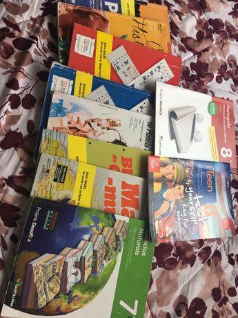 Doação de manuais escolares