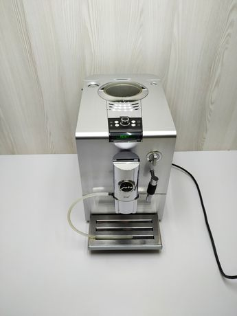 Кавоварка, кофемашина Jura Ena 9