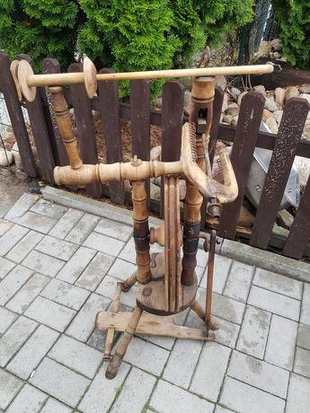 Stary kołowrotek drewniany