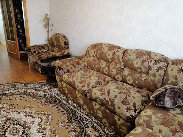 Сдам в аренду 4-х комнатную квартиру на пр. М. Лушпы