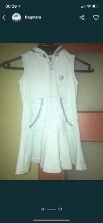 Sukienka z kapturem 10xl