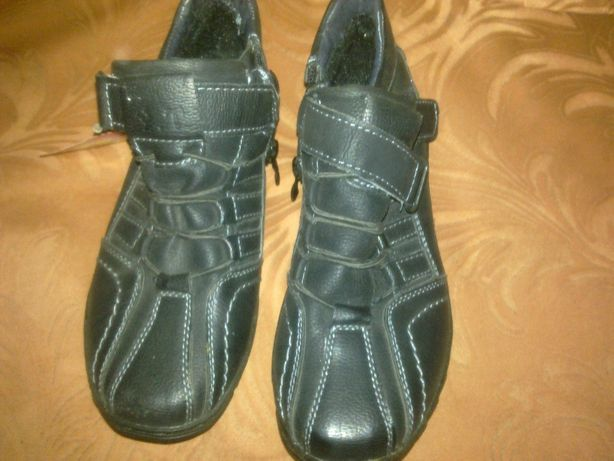 Продам новые детские туфли на мальчишку 30 размера