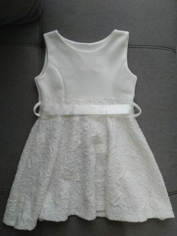 Продам нарядное платье для девочки на 3-4 года