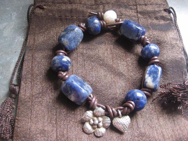 Pulseira pedra semipreciosa azul e prata contrastada(NOVA)