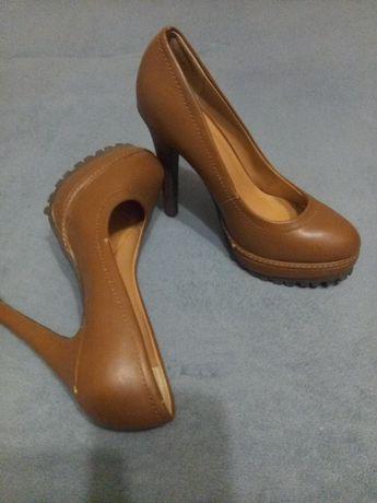 Продам туфли,каблук 13см