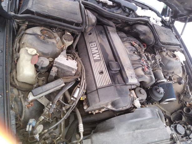 Bmw e39 silnik 2,5 L benzyna swap