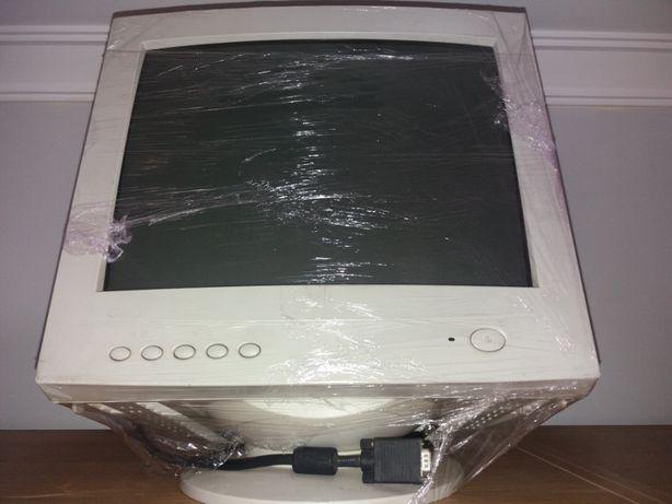 Monitor COMPAL modelo P773