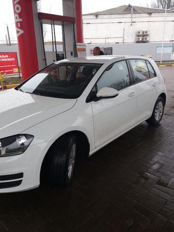 Продам автомобиль VolksWagen Golf VII 2015 года выпуска