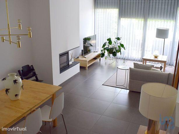 Moradia - 183 m² - T2