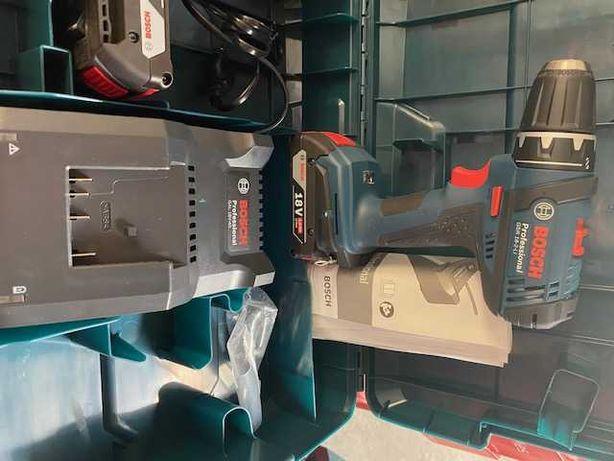 Aparafusadora BOSCH  18V-2-LI com 2 baterias + carregador