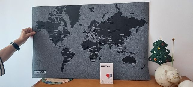 Quadro tipo carpete com pins para marcar cidades visitadas / viagens