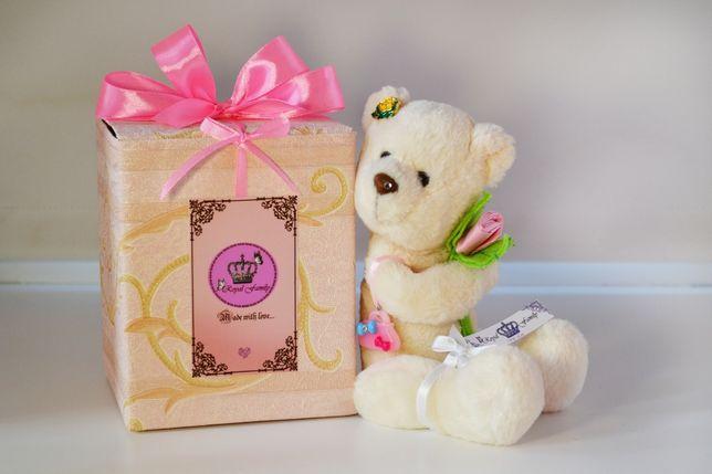 Очаровательная плюшевая игрушка – мишка от Royal Family