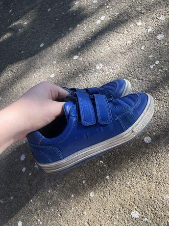 Кожанные кроссовки с ортопедической стелькой