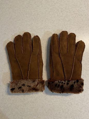 Очень тёплые замшевые перчатки кожаные с овчиной
