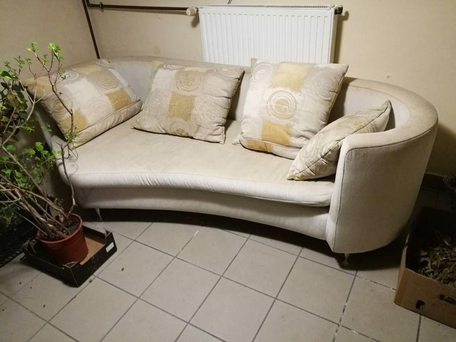 Kanapa, sofa kremowa, w kształcie fortepianu Porąbka - image 1