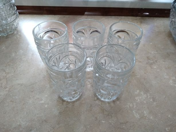 Кришталеві стакани